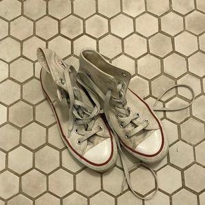 Converse Chuck Taylor Hi-Tops White Size 6
